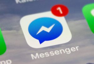 Facebook Messenger bug reveals chatting by users on Facebook